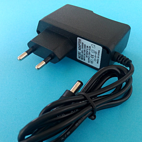 AC adapter 15V/0.5A