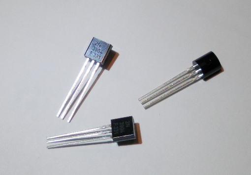 3 x NPN Transistor 2N3904